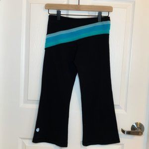 Lululemon 3/4 length Flare Pants L2